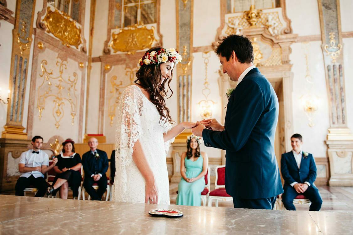 Elopement Hochzeit Salzburg Schloss Mirabell Marmorsaal Mirabellgarten 006