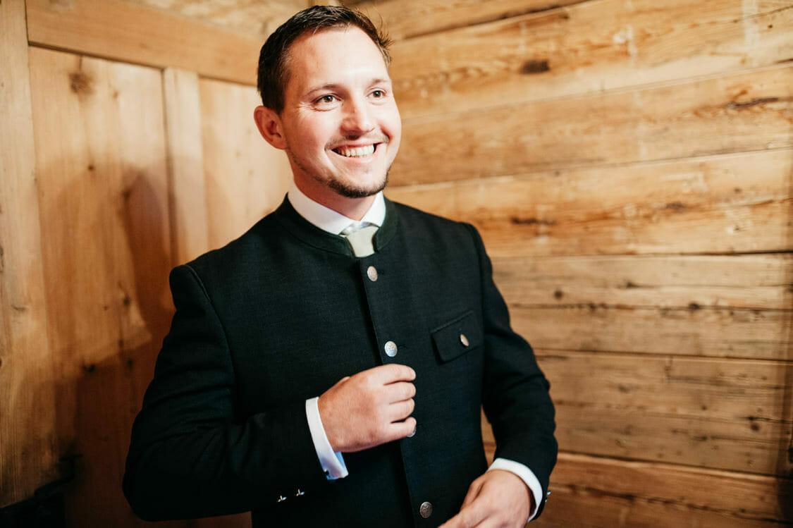 Hochzeitsfotograf Salzburg Abtenau Sonnleitn Bauernhof Tracht Lederhose Dirndl 007