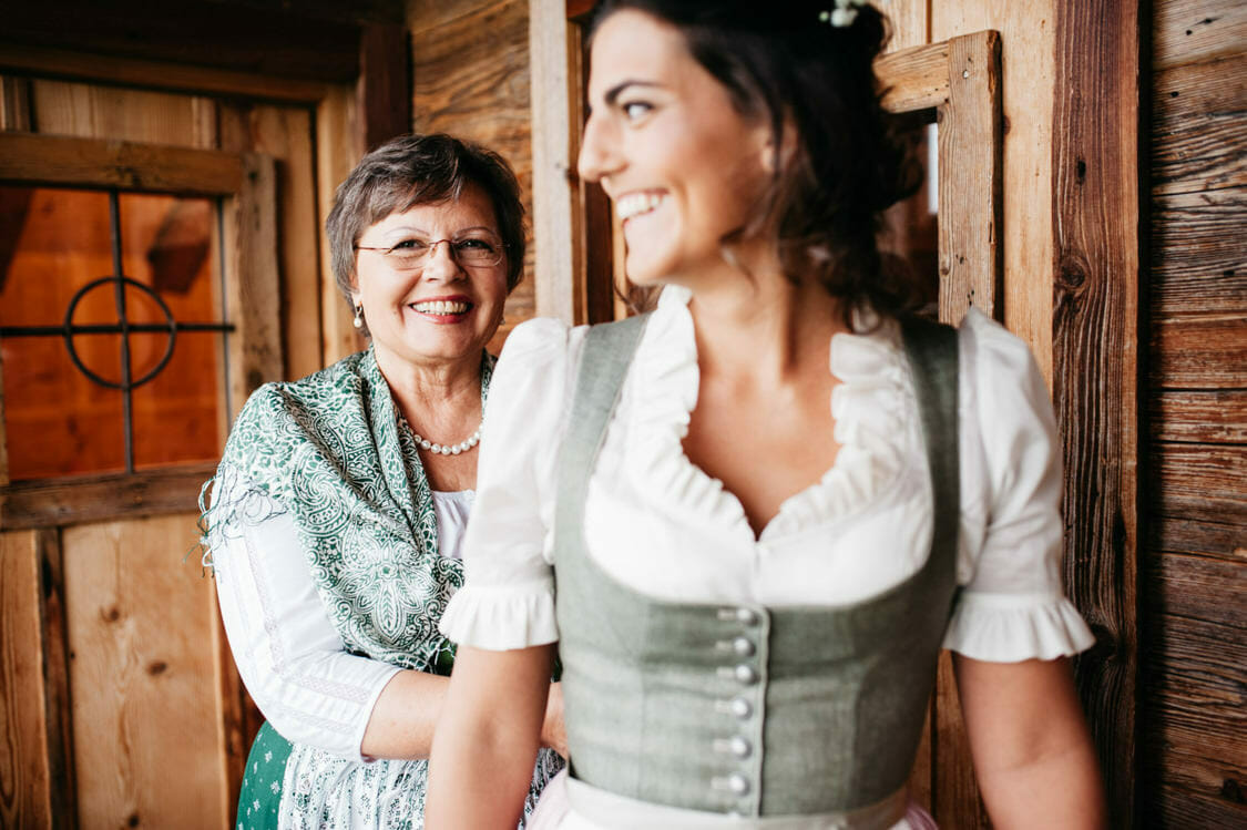 Hochzeitsfotograf Salzburg Abtenau Sonnleitn Bauernhof Tracht Lederhose Dirndl 021