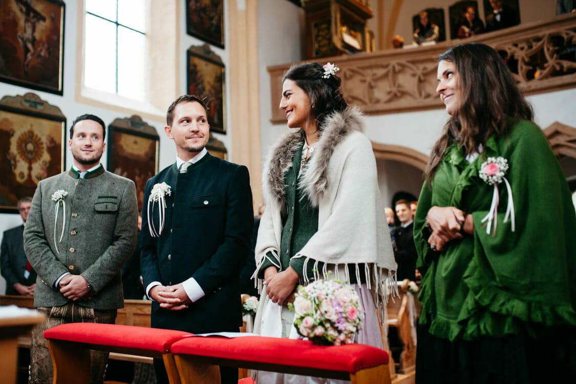Hochzeitsfotograf Salzburg Abtenau Sonnleitn Bauernhof Tracht Lederhose Dirndl 029
