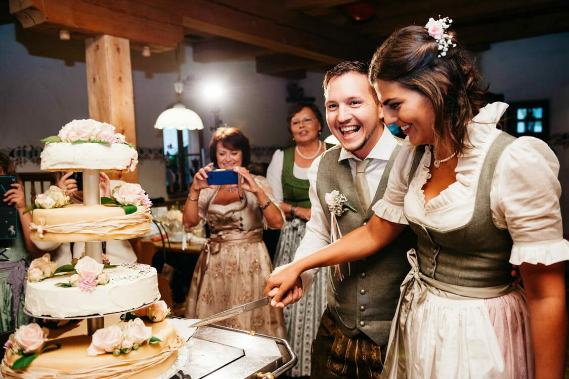 Hochzeitsfotograf Salzburg Abtenau Sonnleitn Bauernhof Tracht Lederhose Dirndl 064