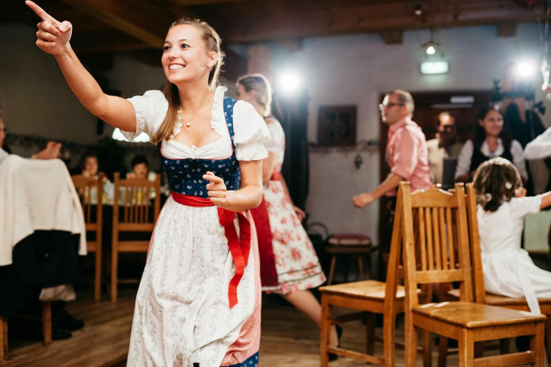 Hochzeitsfotograf Salzburg Abtenau Sonnleitn Bauernhof Tracht Lederhose Dirndl 068