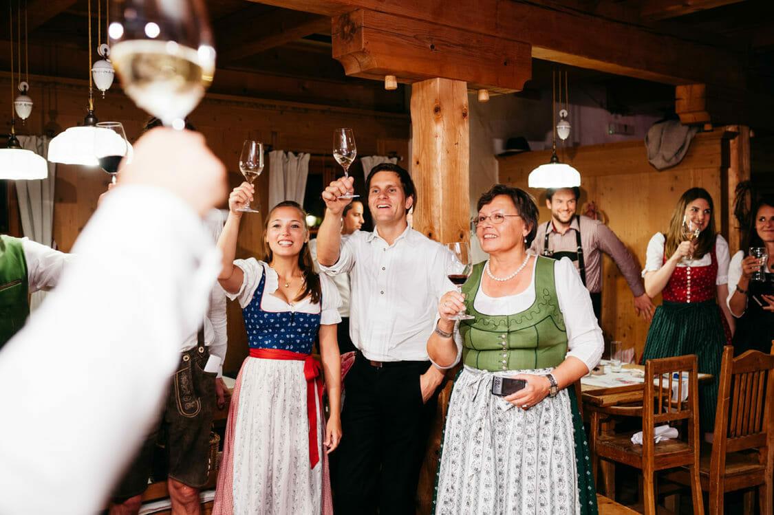 Hochzeitsfotograf Salzburg Abtenau Sonnleitn Bauernhof Tracht Lederhose Dirndl 070